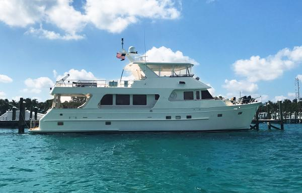 Outer Reef Yachts 700