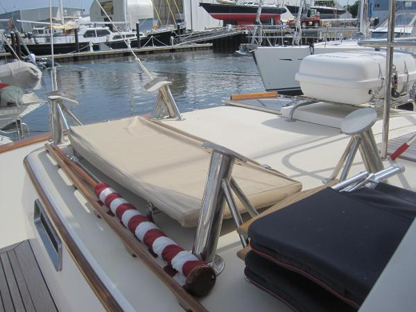 Aft deck chocks for big RIB