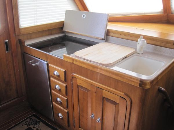 Galley -Dishwasher-below cook top
