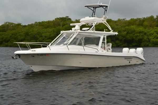 Everglades 350LX Profile