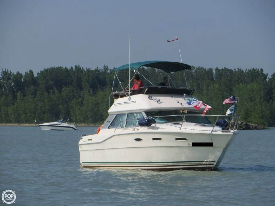 Sea Ray 300 Sedan Bridge 1985 Sea Ray 30 for sale in Lakeside Marblehead, OH