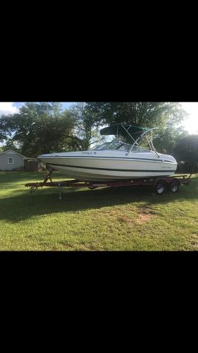 Chris-Craft Bowrider 210