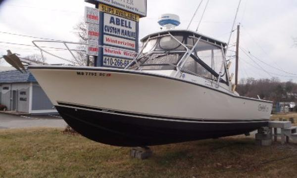Carolina Classic 25 Port Bow