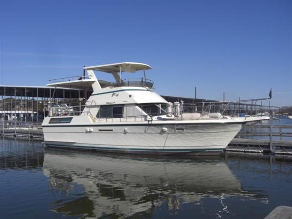 Hatteras 40FT Double Cabin