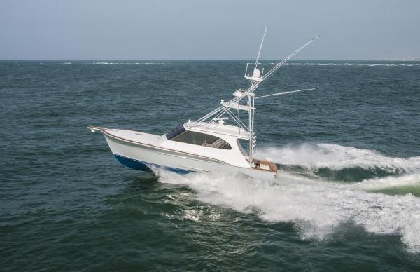 Jarrett Bay Hardtop Express Sportfish Exterior