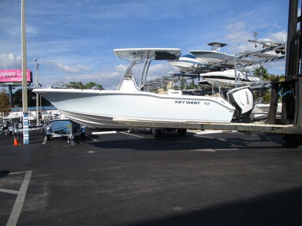 Key West 239 FS Family Sportsman