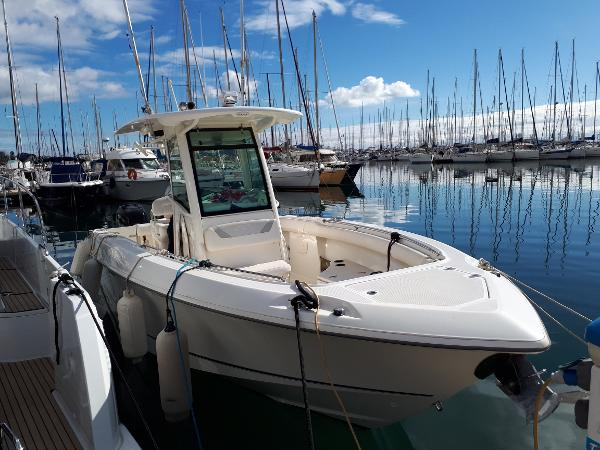 Boston Whaler 280 Outrage BOSTON WHALER 280 OUTRAGE - SEVEN YACHTS