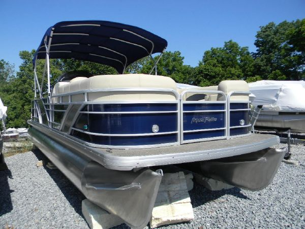 Aqua Patio/ Bennington 240 SL