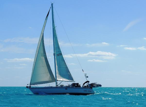 Catalina 42 Grand Bahama Bank Sailing