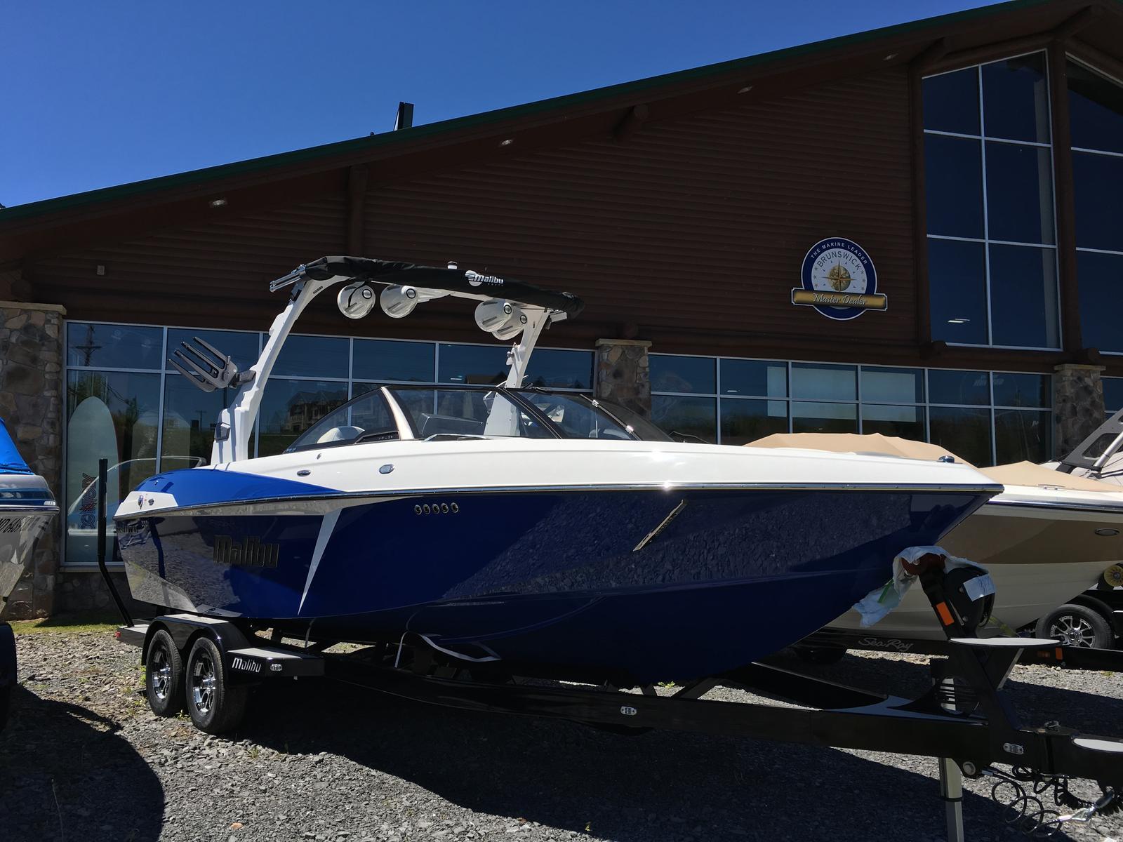 Malibu Boats LLC 25 LSV WAKESETTER