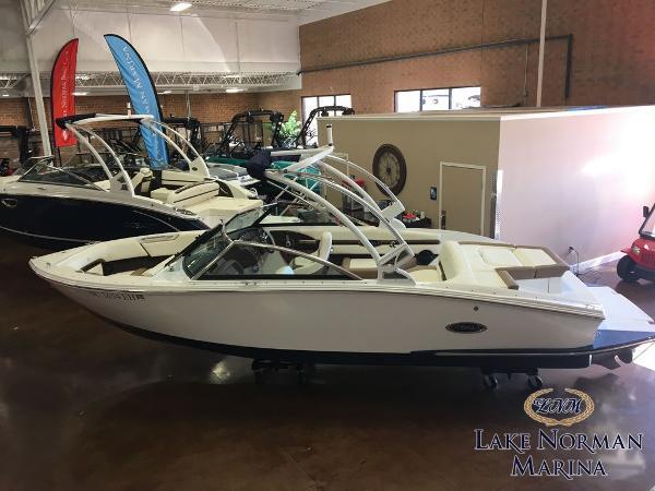 Cobalt Boats CS23