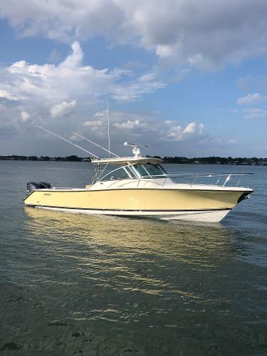Pursuit 345 Drummond Sportfish