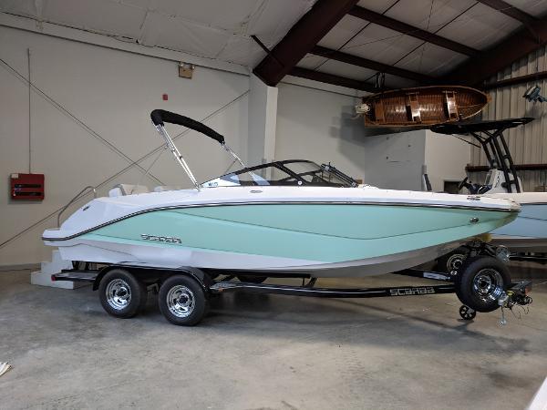 Scarab 215 Jet Boat