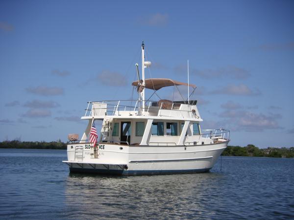 Mariner International Europa Sedan On the hook