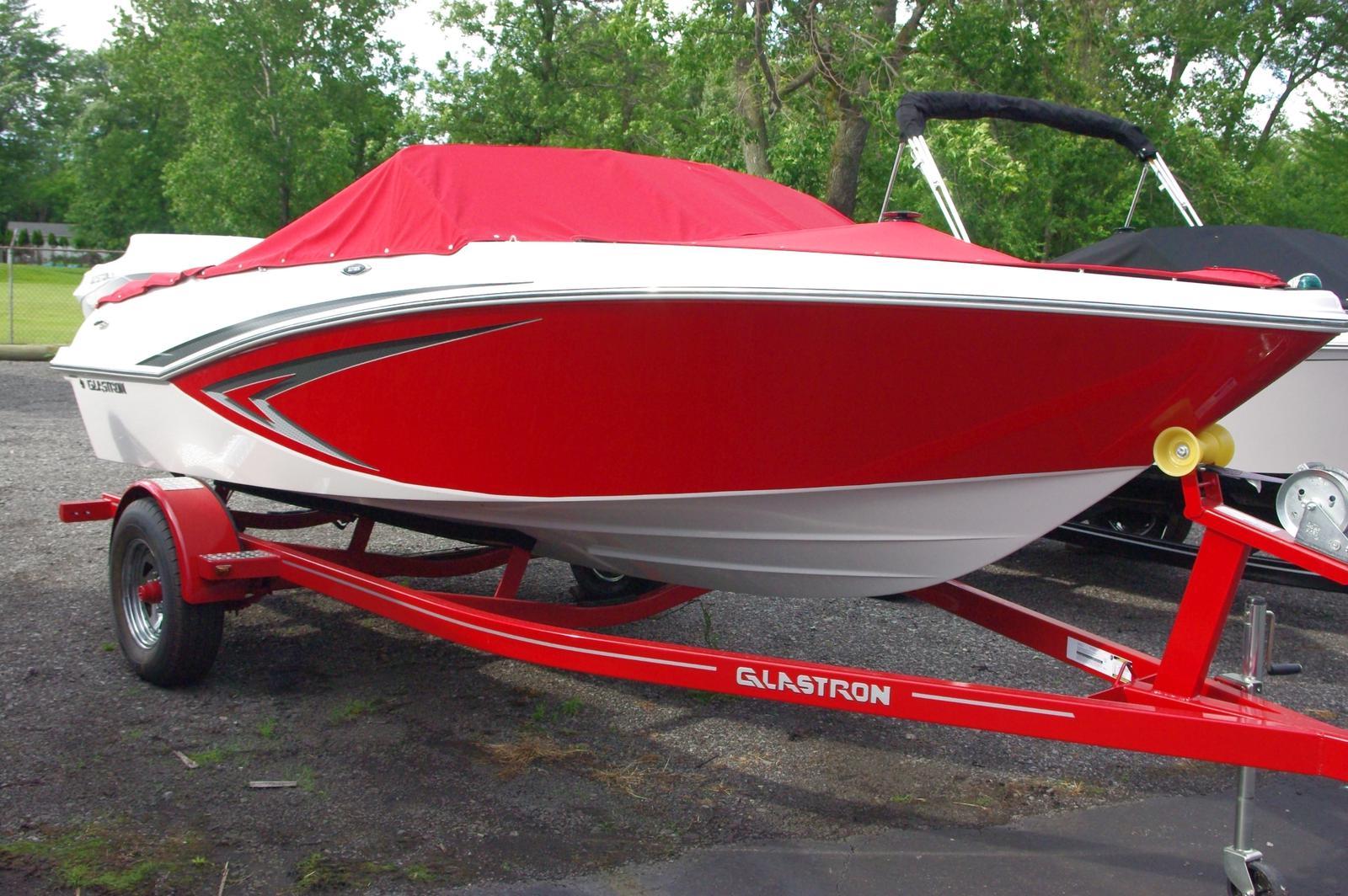 Glastron GTX 185 Bow Rider