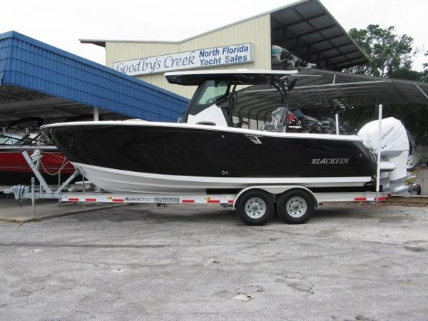 Blackfin 272 CC Center Console