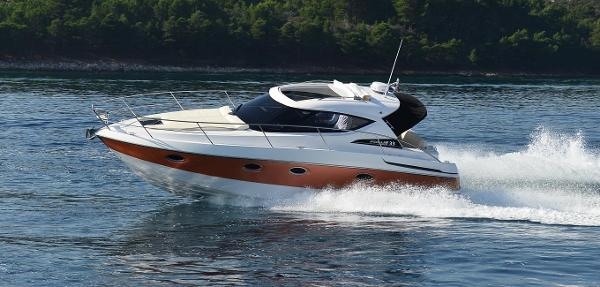 Focus Motor Yachts Power 33 Manufacturer Provided Image: Focus Power 33