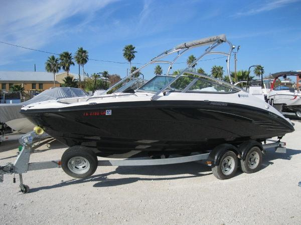 Yamaha Boats 21FT AR210