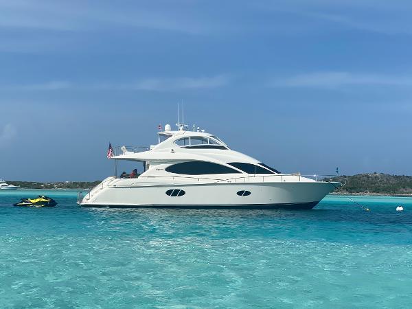 Lazzara Yachts 2005