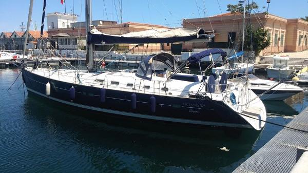 Beneteau Oceanis 523 Clipper Owner's Version