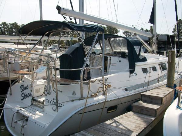 Hunter 44 Deck Salon - At Dock