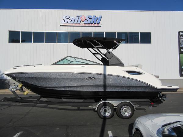 Sea Ray 250SD