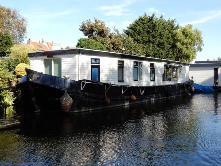 Woonboot / Houseboat Groninger Tjalk
