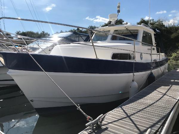 Hardy Mariner 25 Port bow