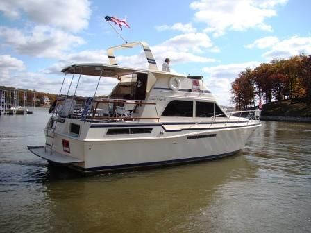 Chris-Craft 42 MY (seller help transport)  Photo 1