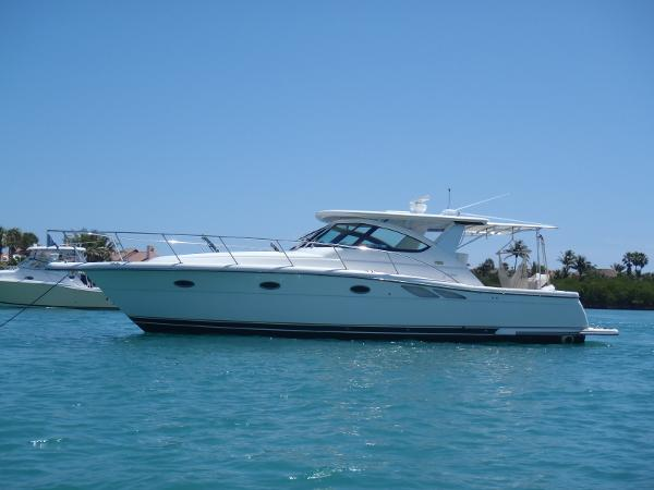 Tiara 3800 Open Port side