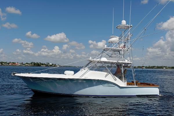Out Island Custom 38 Express  Profile