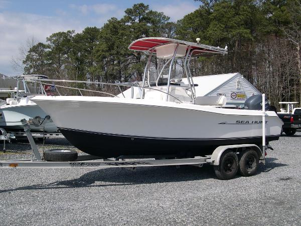 Sea Hunt 207 Triton