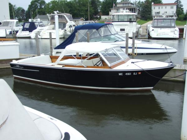 Chris-Craft Sea Skiff Starboard Side
