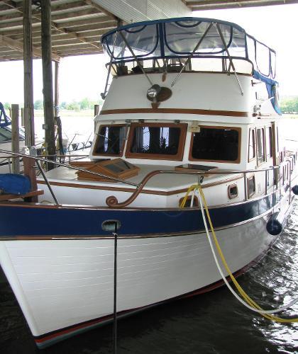 Marine Trader 44'
