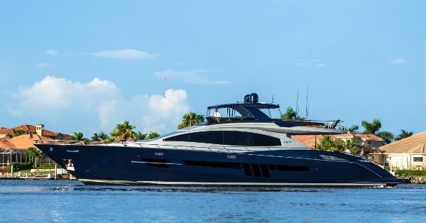 Lazzara 92 Motor Yacht Flybridge Profile