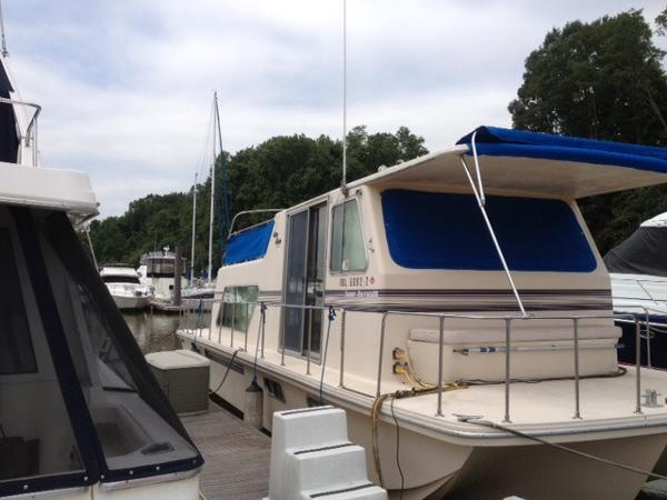 Holiday Mansion Barracuda 36'