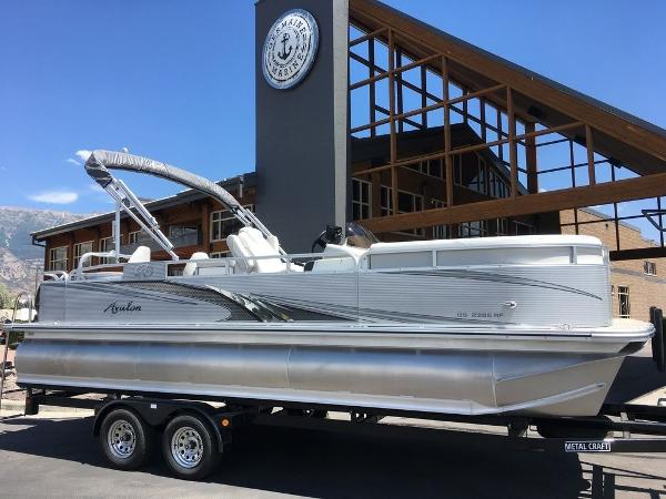 Avalon GS Quad Lounge 23'