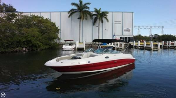 Sea Ray 240 Sundeck Sea Ray 240 Sundeck 26