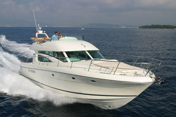 Jeanneau Prestige 42 Fly Used Prestige 42 Flybridge for sale in Greece