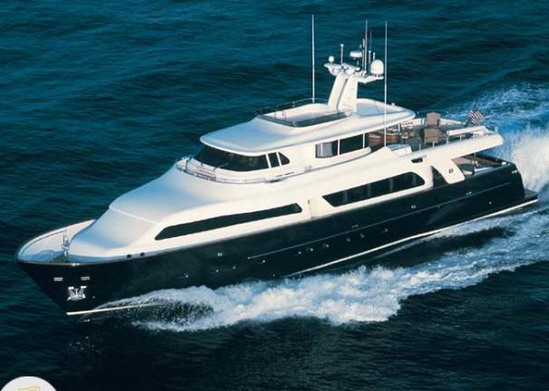 Ferretti Custom Line Navetta 30m Profile