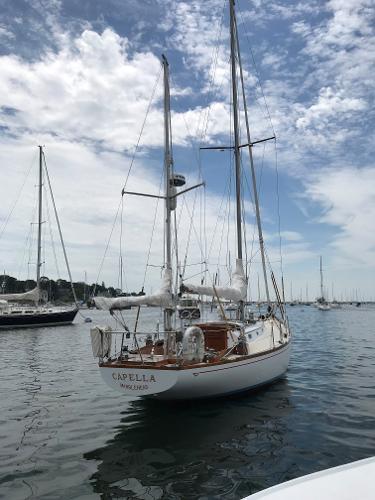 Hinckley Bermuda 40 Mooring