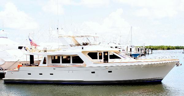 Offshore 72 Pilothouse Starboard Profile