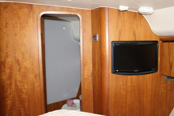 Fwd cabin flatscreen TV & head access