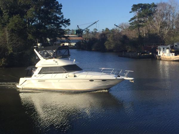 Sea Ray 370 Sedan Bridge On The Water