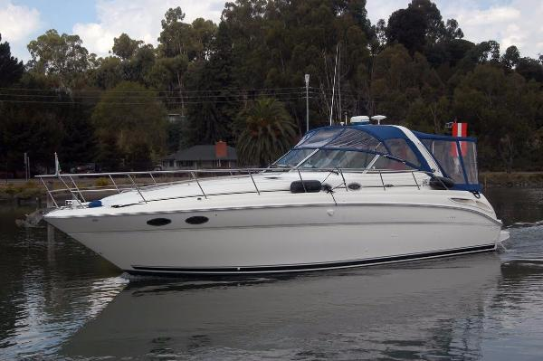 Sea Ray 380 Sundancer Main