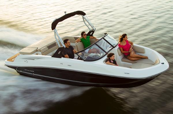 Bayliner VR5 Bowrider Manufacturer Provided Image