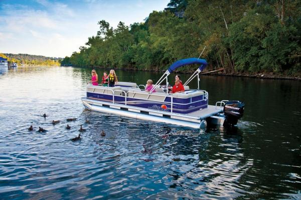 Sun Tracker Party Barge 24 DLX w/ 25 ELPT FourStroke