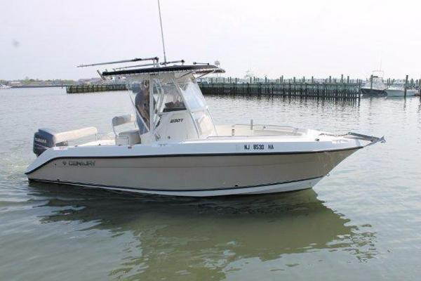 Century 2301 Center Console Profile