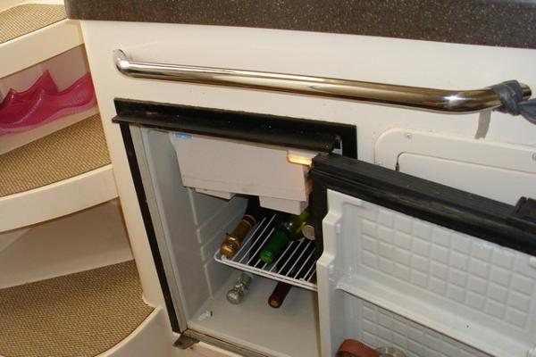 Refrigerator With Freezer Compartment