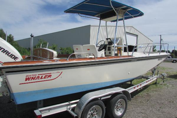 Boston Whaler 22 Outrage